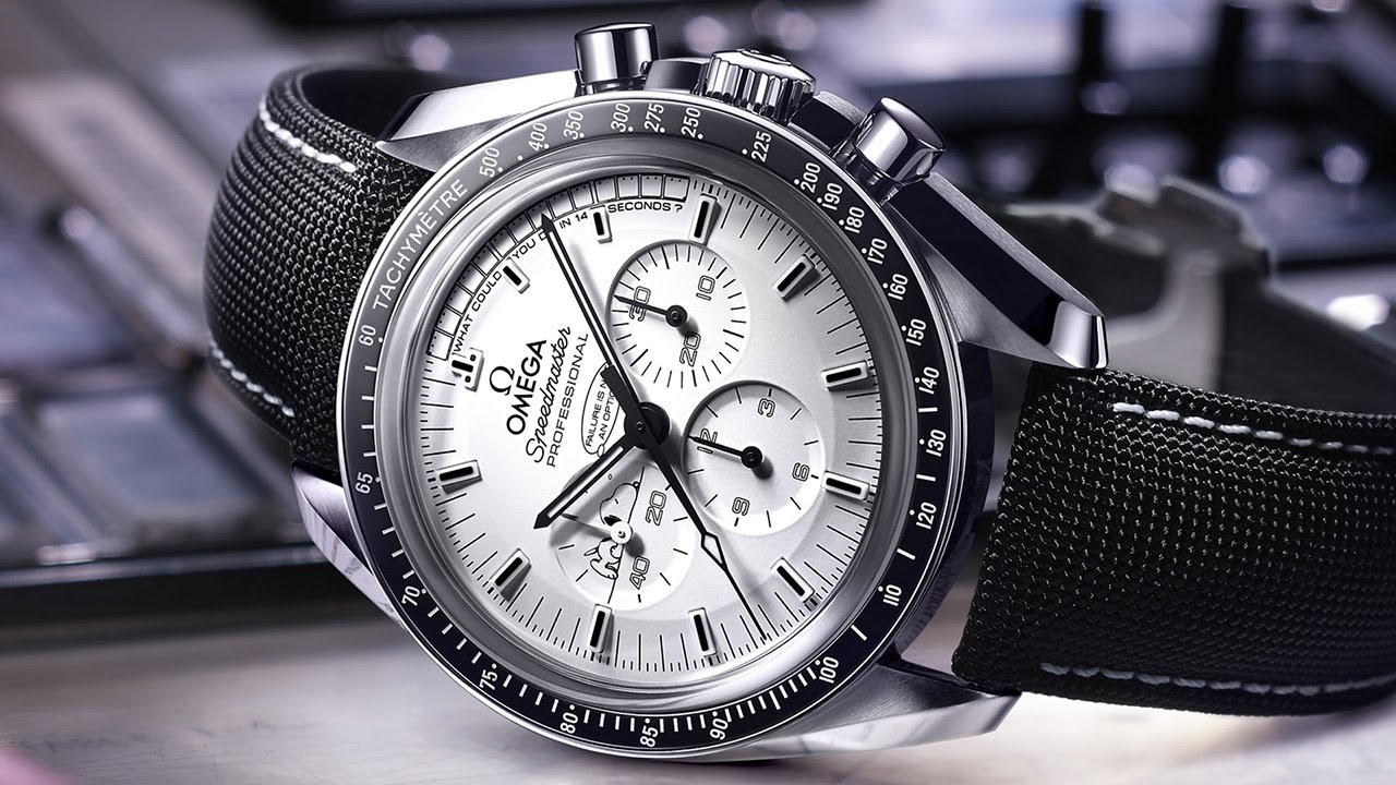 Omega Speedmaster Snoopy Award Replica Watches Fly To The Moon And Back